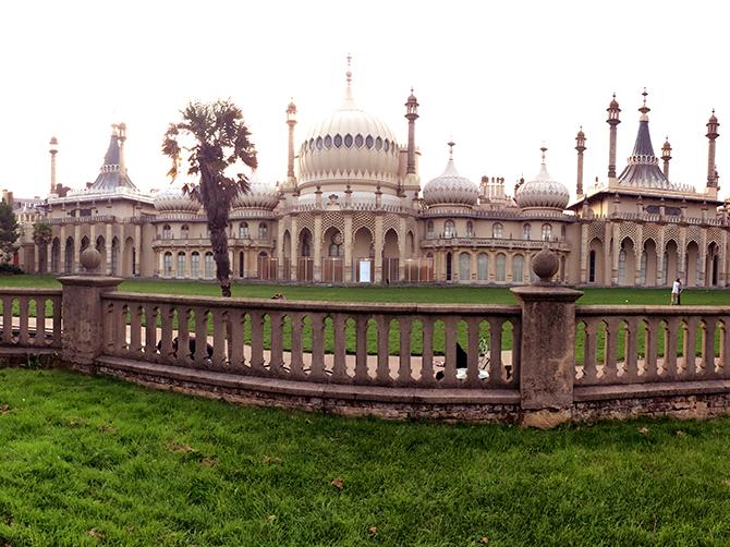 Brighton. Le Royal Pavilion ou Brighton Pavilion : ancienne résidence royale de George IV.