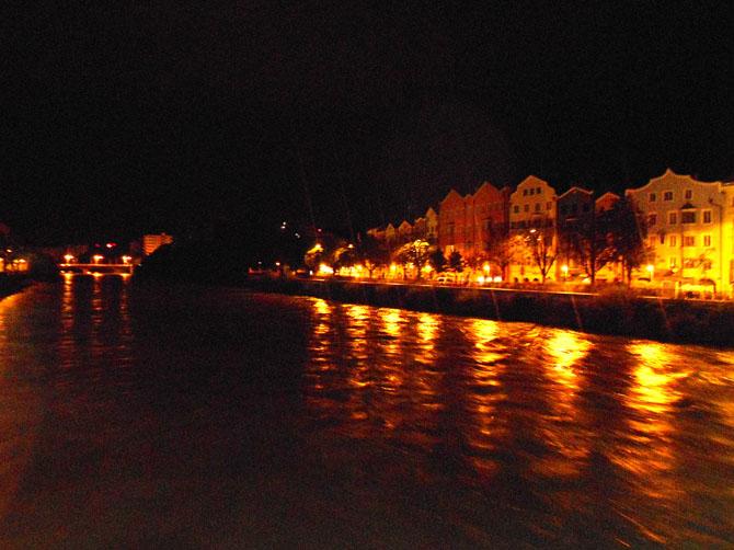 """Mariahilferstrasse, endroit emblématique d'Innsbruck, tout comme la """"Goldenes Dachl""""."""